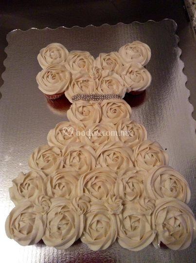 pastel de cupcake vestido novia de coquille bake shop | foto 14