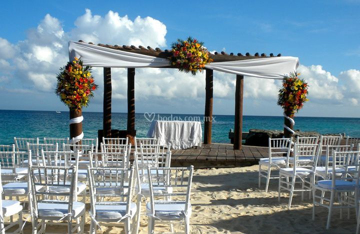 Playa azul cozumel for How to decorate a patio for a wedding