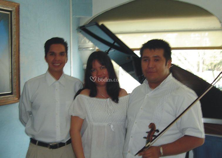 Amenización piano y 2 violines