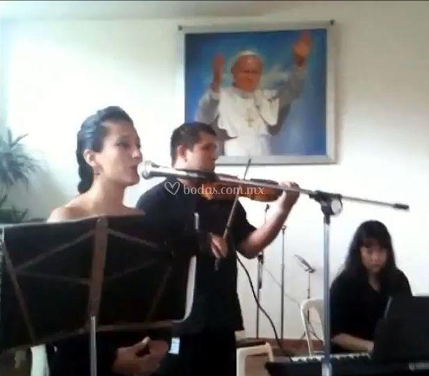 Misa con piano, violín y voz