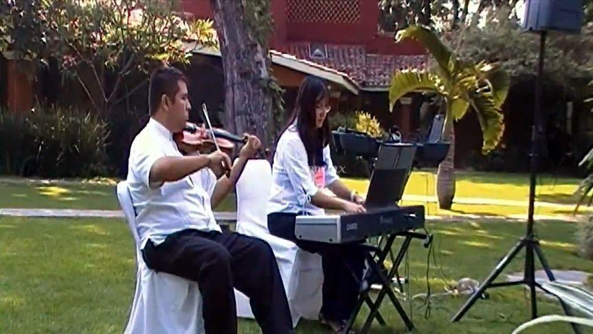 Amenización piano y violín