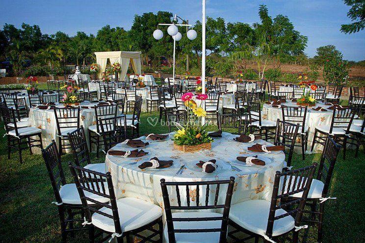 Mesa para sus invitados