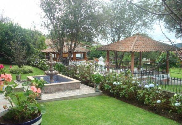 Hermosos jardines de hotel huerta real fotos for Hotel jardines de uleta vitoria