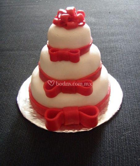 Pastel con moños
