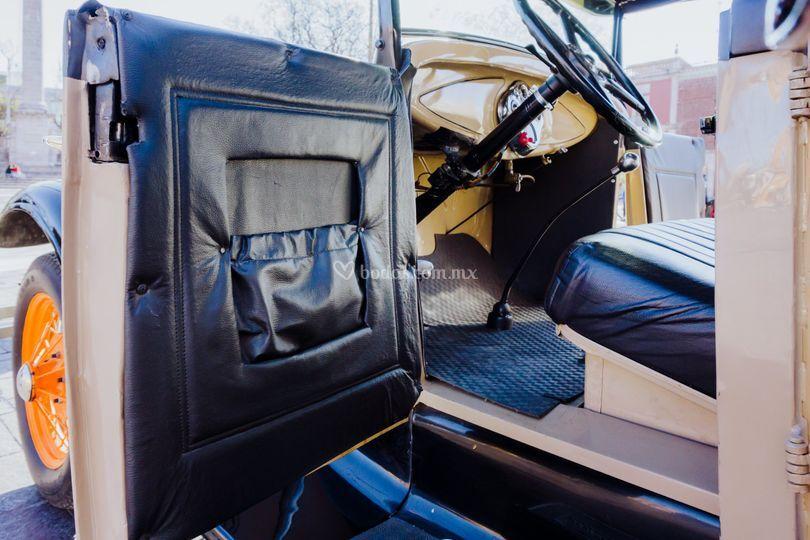 Interior Ford Phaeton