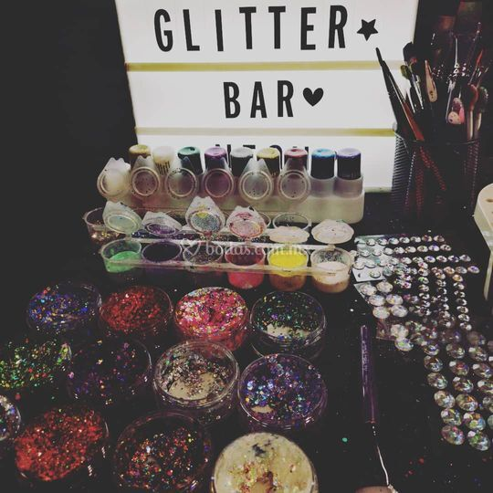 Glitter y pedrería