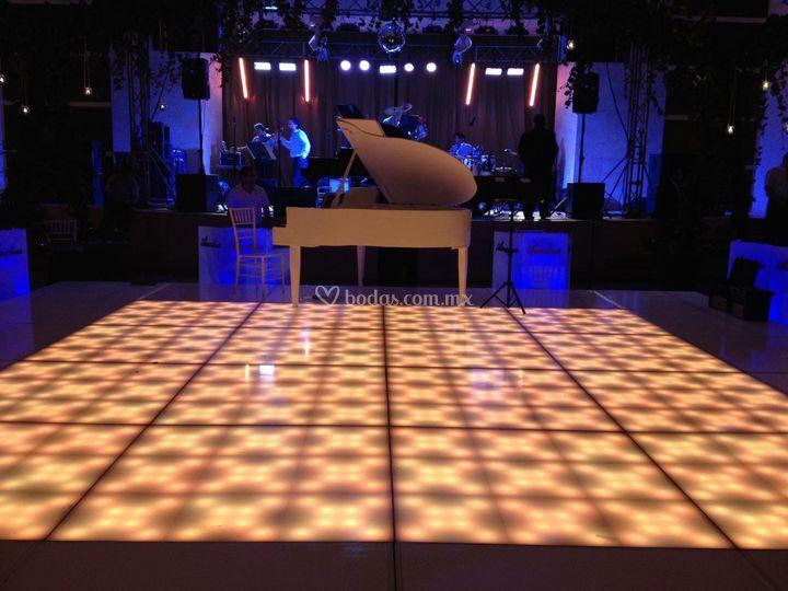 Piano blanco club campestre