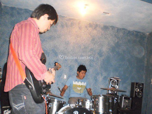 Guitarra y batería