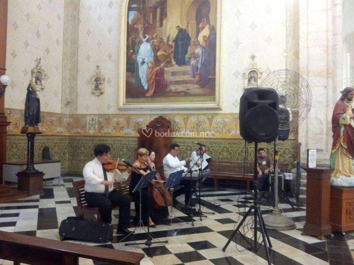 Soprano, Piano, Violin y Cello