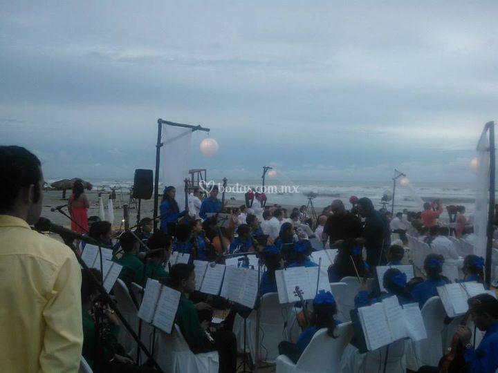 Misa de boda en la playa