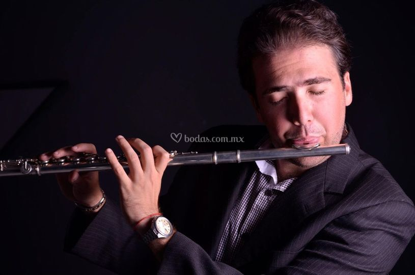 Incluye flauta transversa