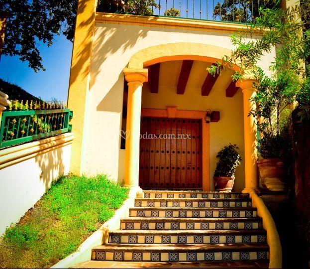 Entrada, escalinata