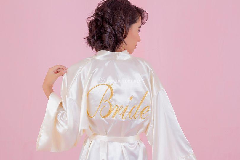 Bata personalizada Bride