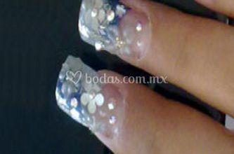 Bellos diseños en uñas