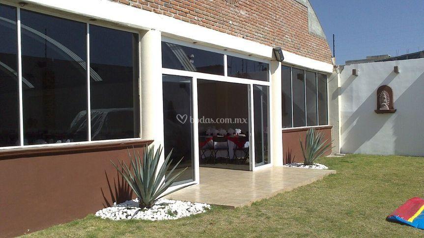 Entrada principal de sal n jard n los agaves fotos for Salon jardin villa charra toluca