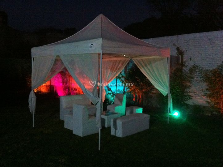 Carpa lounge iluminada