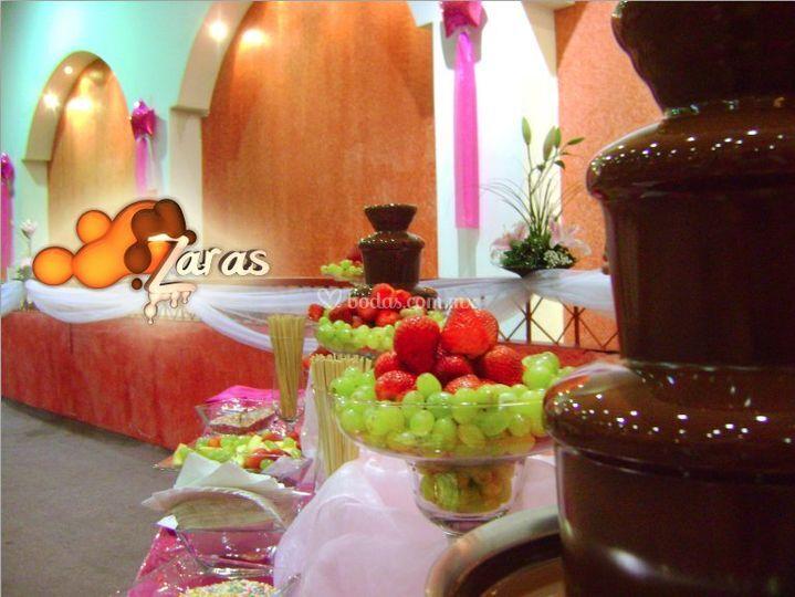 Chocolate y Frutas Deliciosas