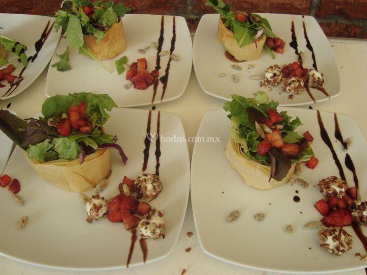 Ensalada de fresas y queso