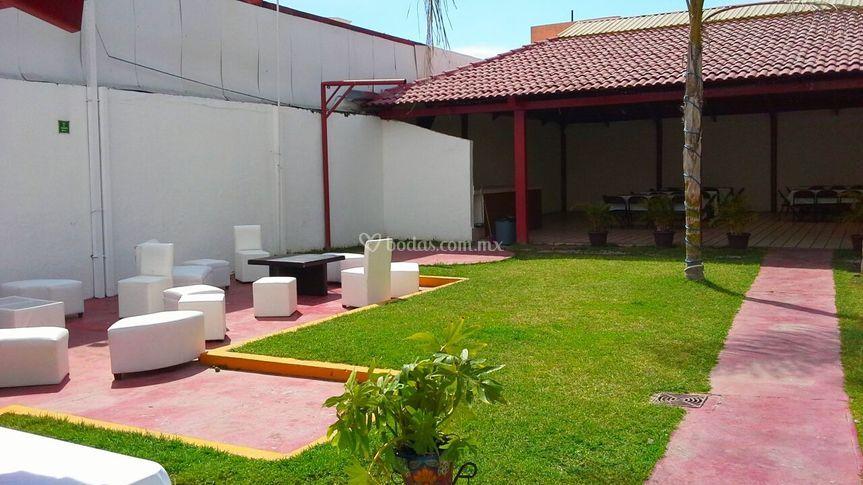 La terraza clouthier for Terrazas para jardin