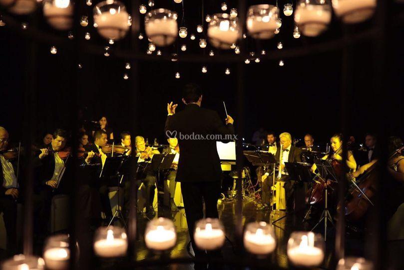 Cena con orquesta