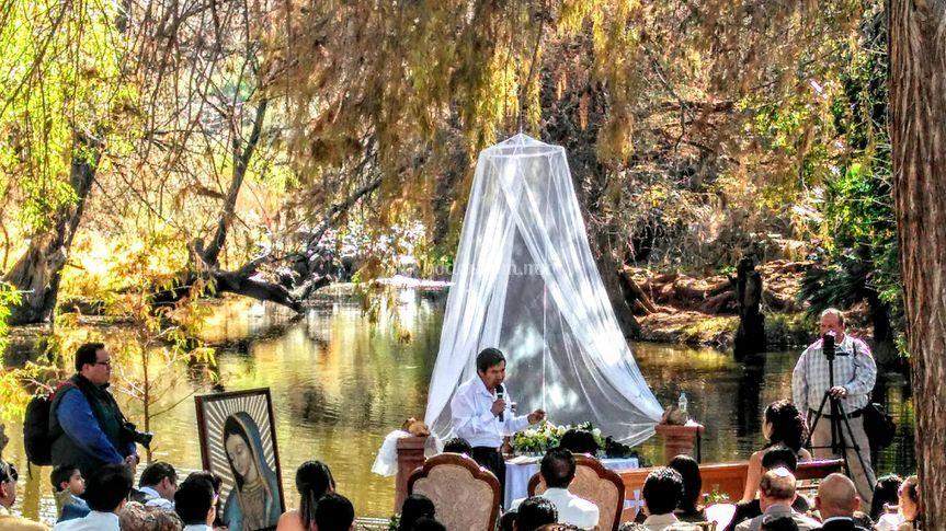 Ceremonia en río