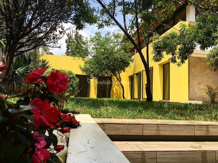 Jardín salón Lemoaz