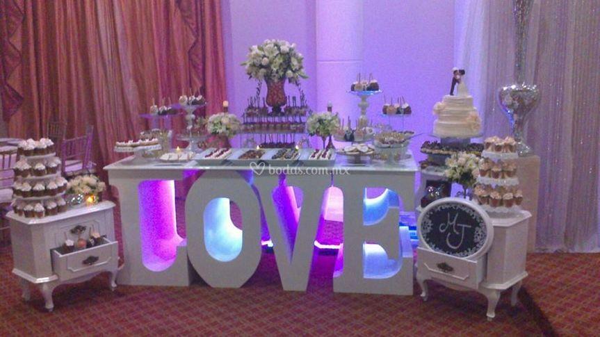 Decoración y montaje mesa love