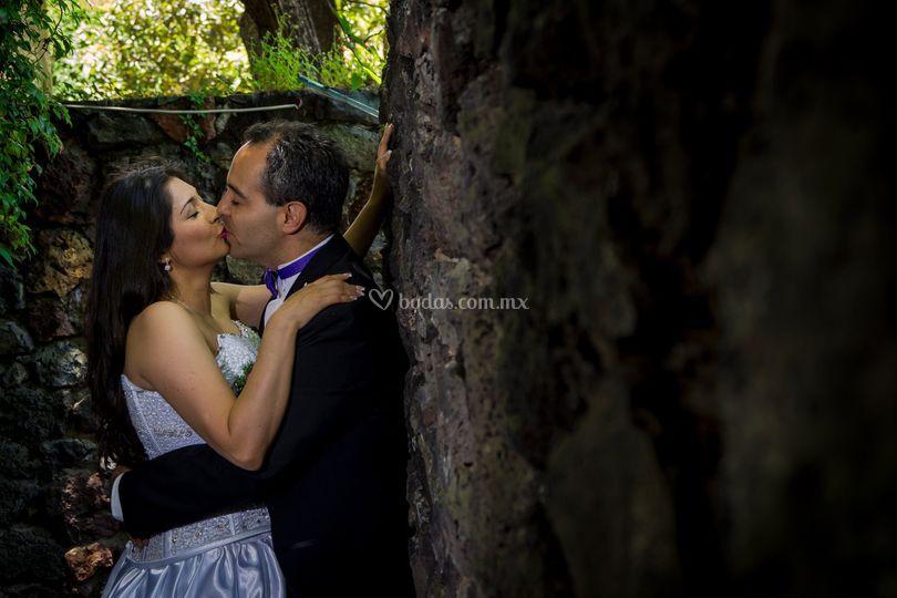 Un beso después de la boda