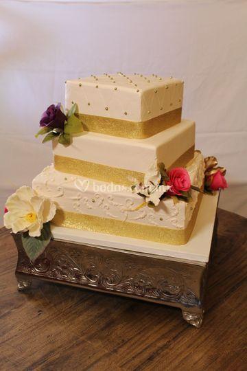 Pastel boda dorado