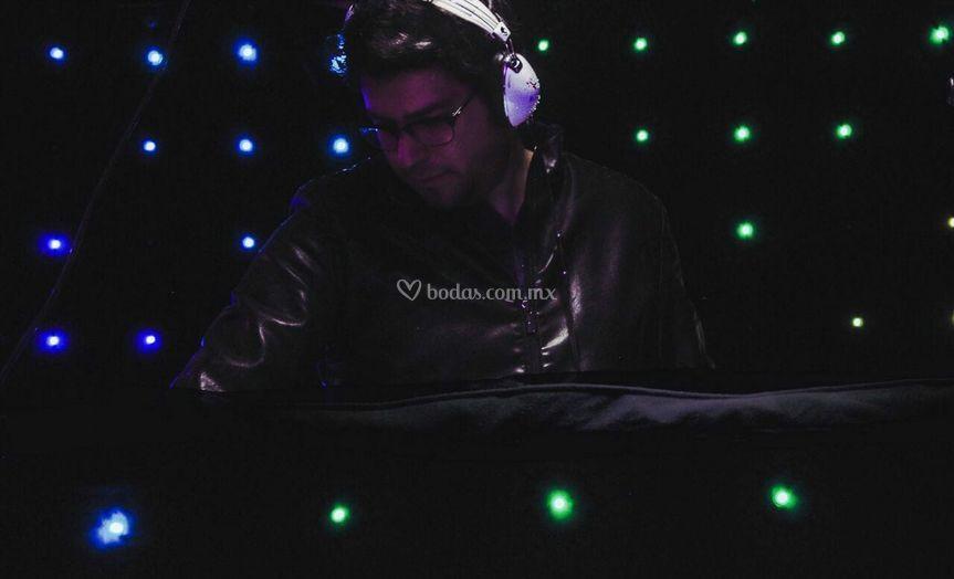 DJ Sandher