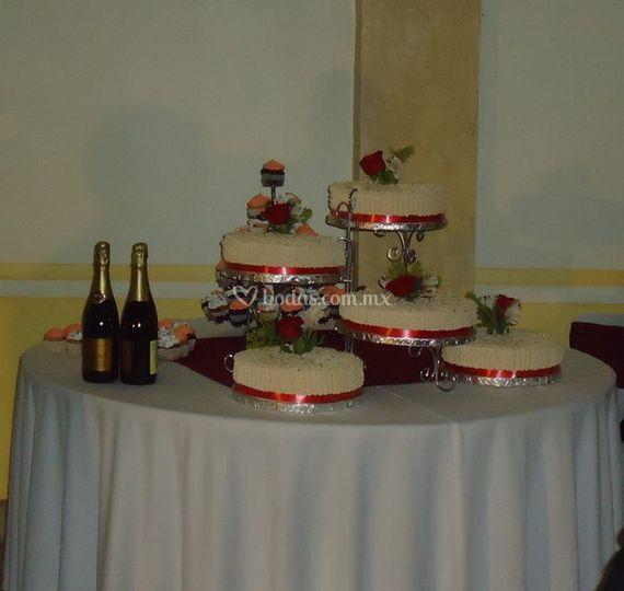 Mesa para el pastel