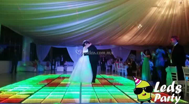 Pista iluminada para tu boda