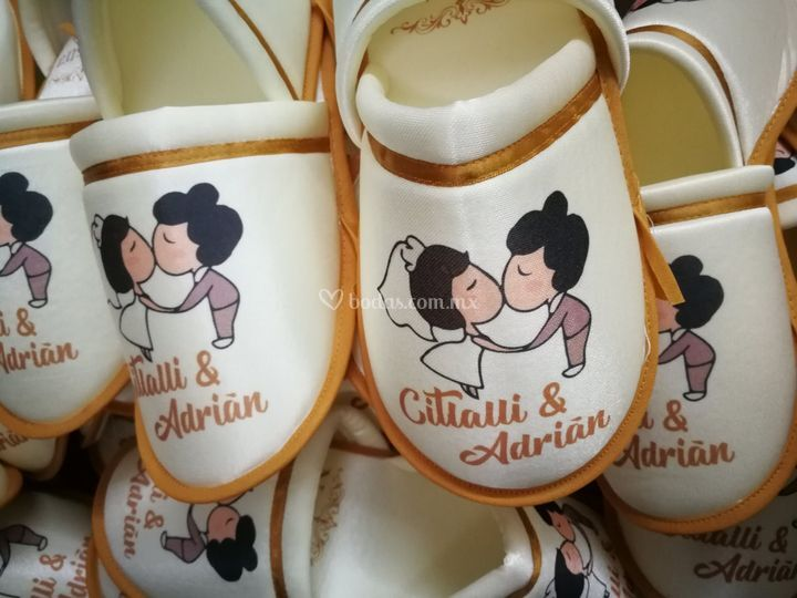 Divertidas pantuflas para boda