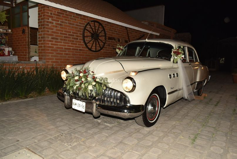 Auto clásico para boda