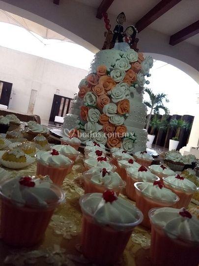Pastel de bodas y postres