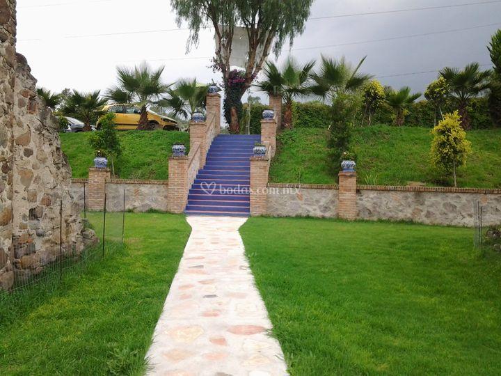 Jard n los arcos de tepojaco for Arcos para jardin