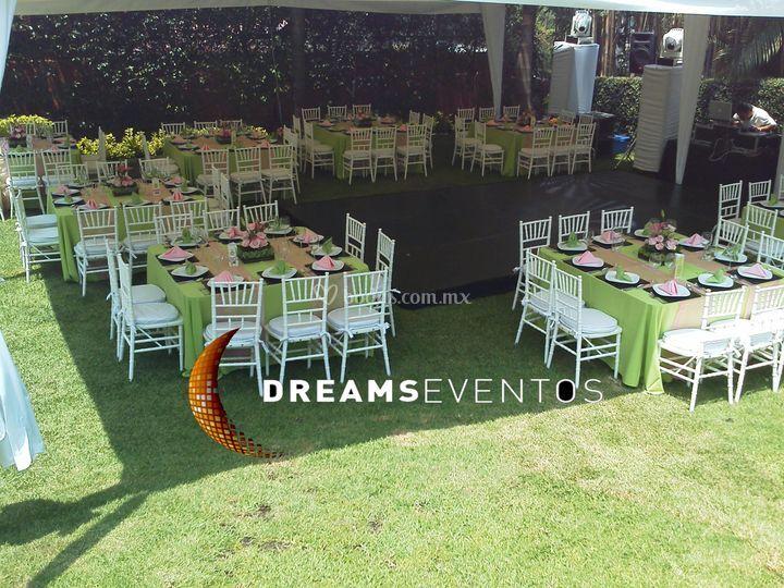 Montaje de mesas para bodas