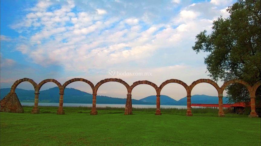 Los Arcos, Zirahuen