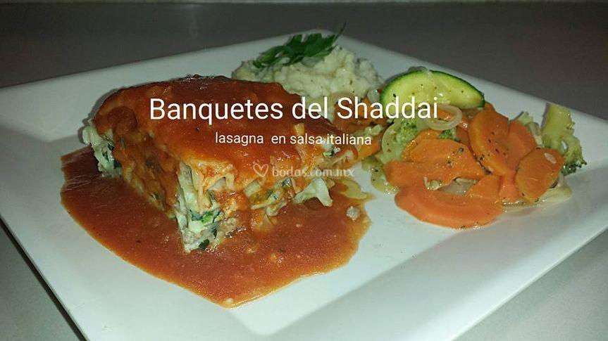 Lasagna vegetariana y de res
