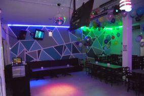 Reverza Party Salón & Karaoke