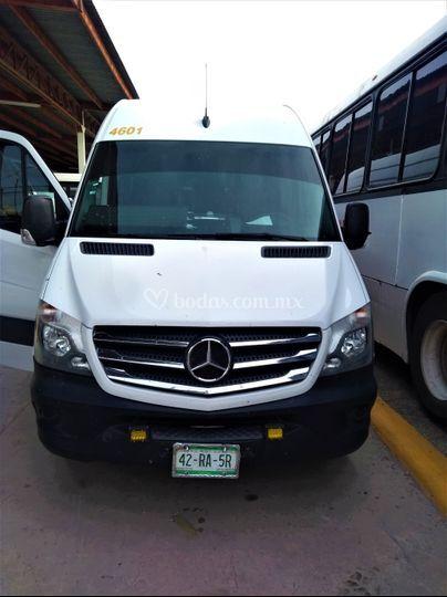 Camioneta 18 pasajeros