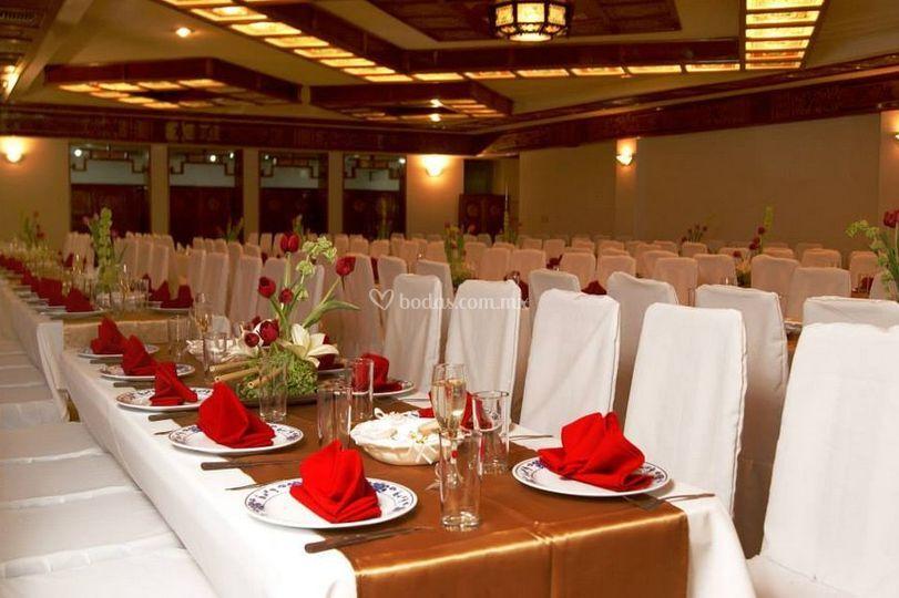 Salón con tablones decorados