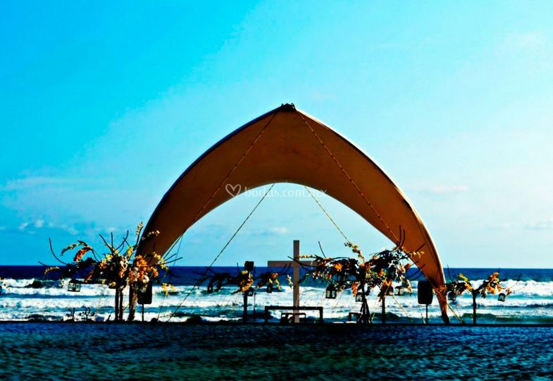 Carpa Sidney en playa