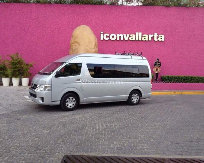 Toyota 13 pasajeros