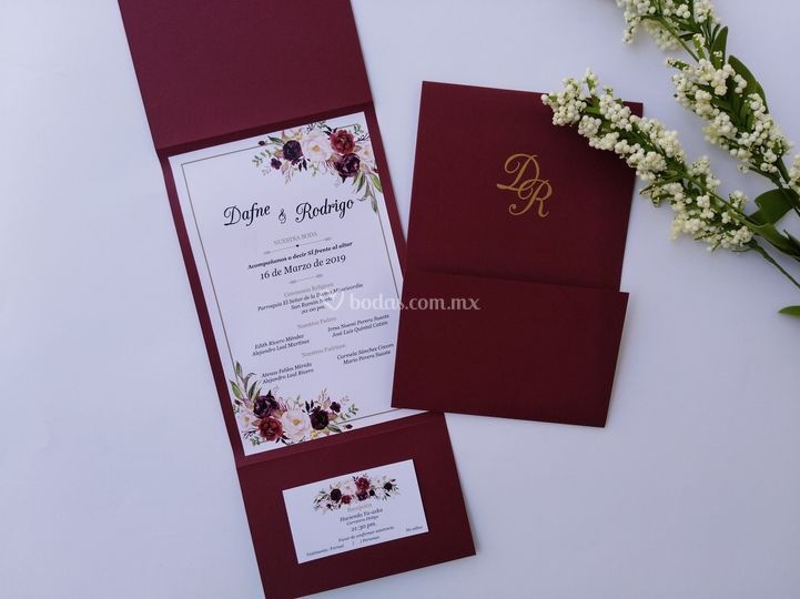 Invitación floral marsala
