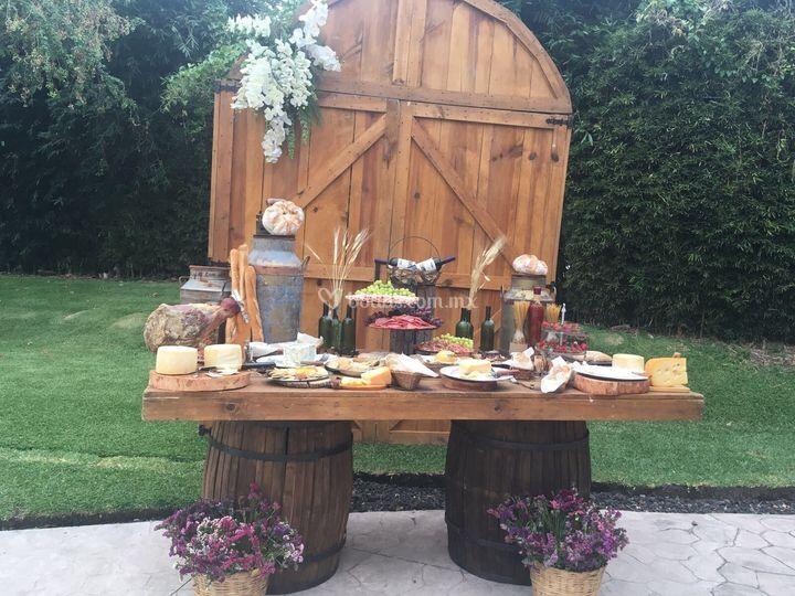 Mesa de quesos deliciosa