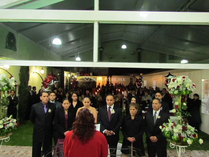 Ceremonia civil de sal n jard n cipres foto 12 for Jardin cipres