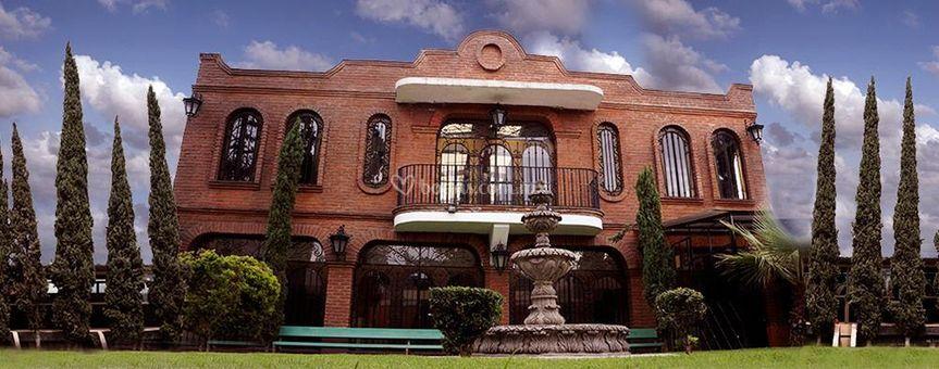 Salón estilo colonial