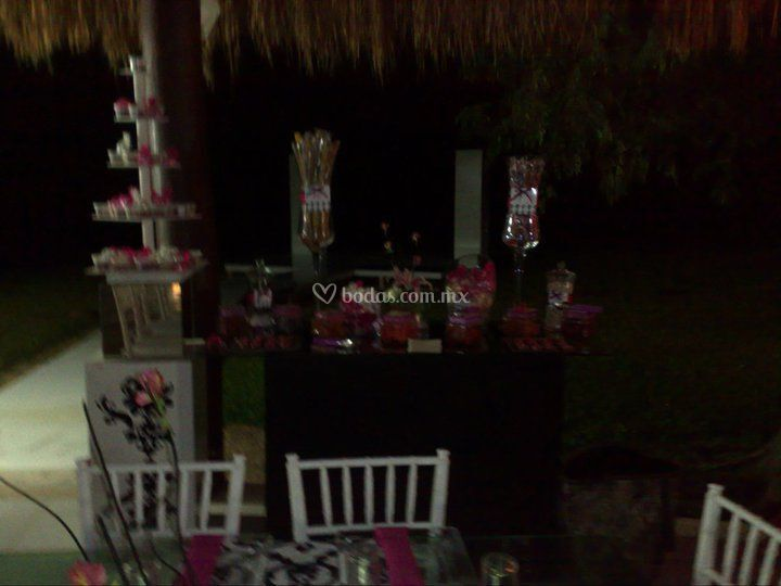 Mesa de dulces & saladitos