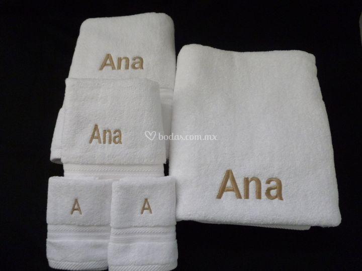 Toallas bordadas con nombre